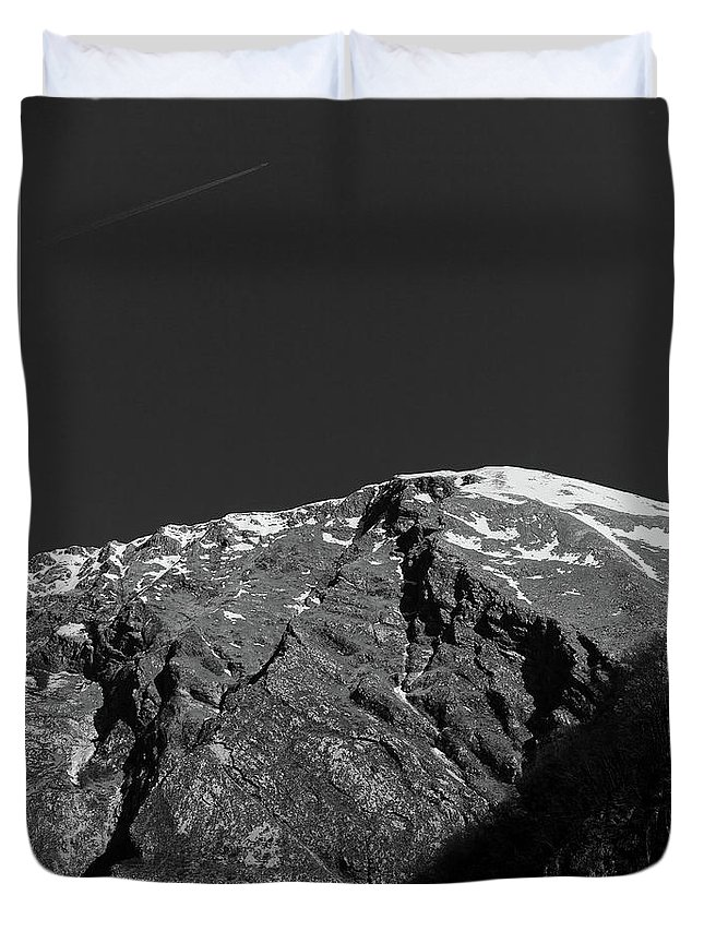 Abstract Duvet Cover featuring the digital art Black And White by Ernest Mazarekic