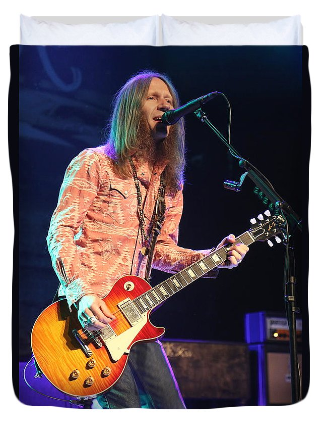 Singer Duvet Cover featuring the photograph Blackberry Smoke Charlie Starr by Concert Photos