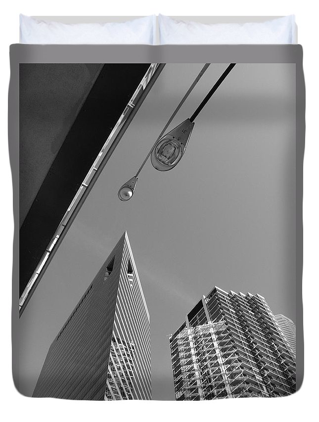 America Duvet Cover featuring the photograph Chicago Cityscape by Frank Romeo