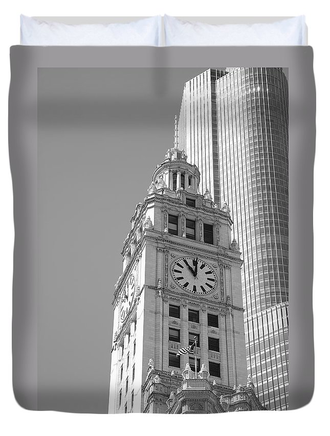 America Duvet Cover featuring the photograph Chicago Clocktower by Frank Romeo
