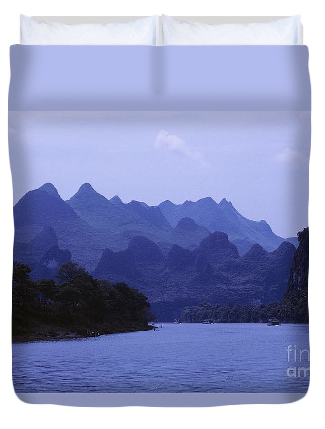 Asian Art Duvet Cover featuring the photograph China, Guilin by Larry Dale Gordon - Printscapes