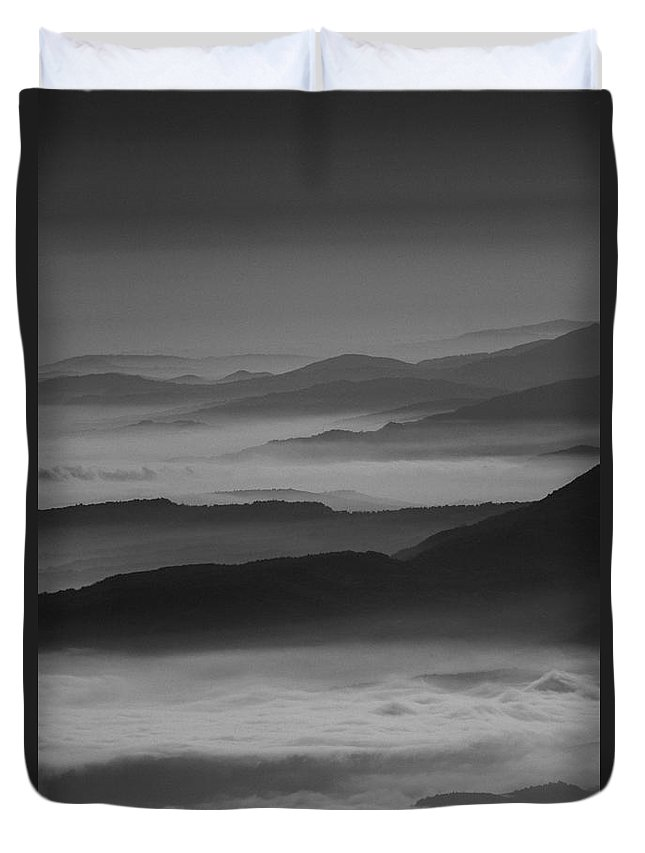Monte Tremoggia Duvet Cover featuring the photograph Infinity by Fiorenzo Di Marco