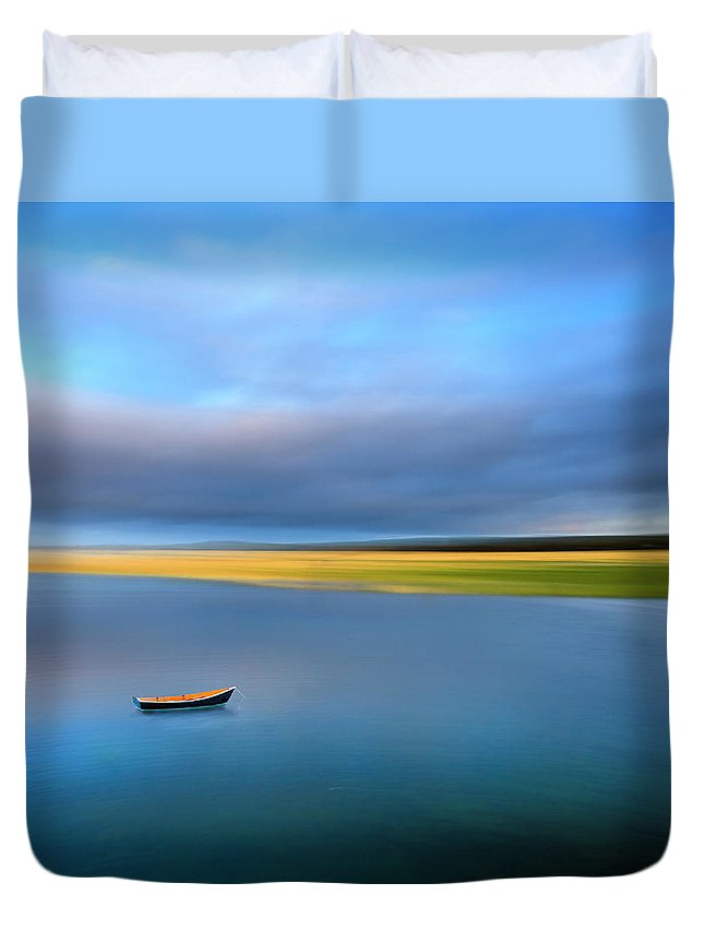 Cape Cod Duvet Cover featuring the photograph Dinghy by Michael Petrizzo