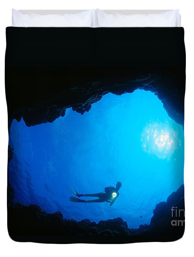 C1368 Duvet Cover featuring the photograph Diver At Cavern Entrance by Dave Fleetham - Printscapes