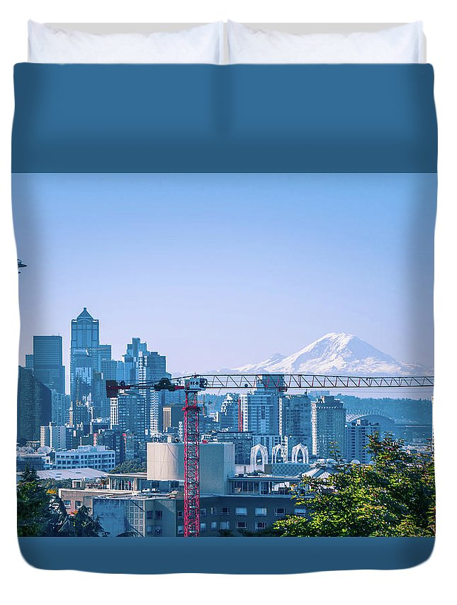 Sky Duvet Cover featuring the photograph Downtown Cityscape View Of Seattle Washington by Alex Grichenko