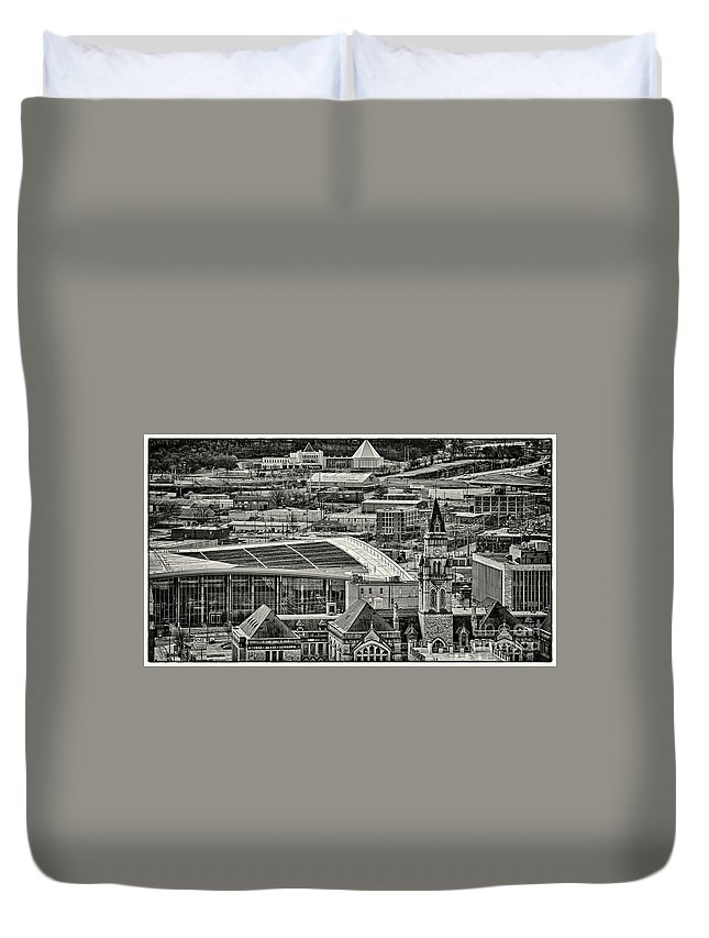Nashville Duvet Cover featuring the photograph Downtown Nashville by Stanton Tubb