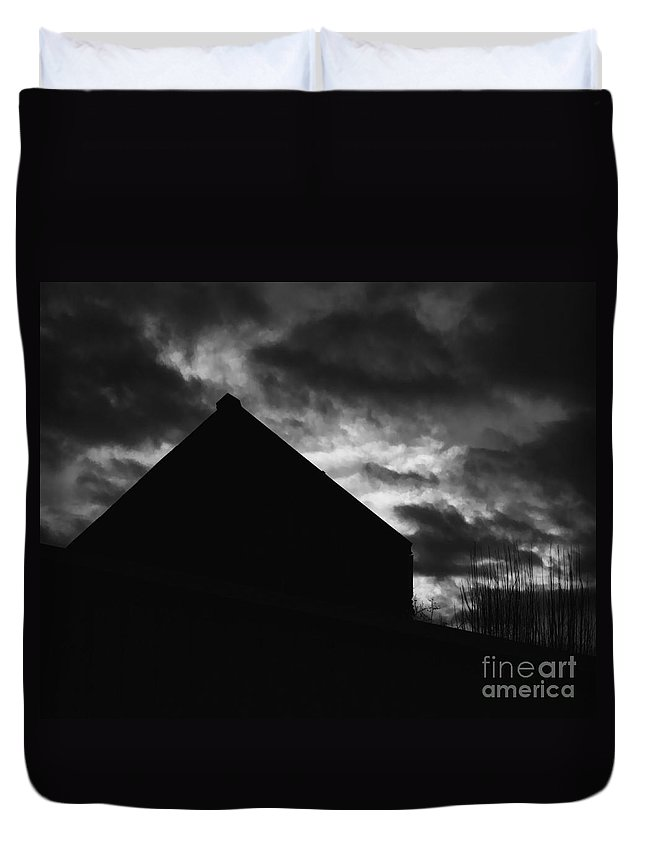Black And White Duvet Cover featuring the photograph Early Morning by Peter Piatt