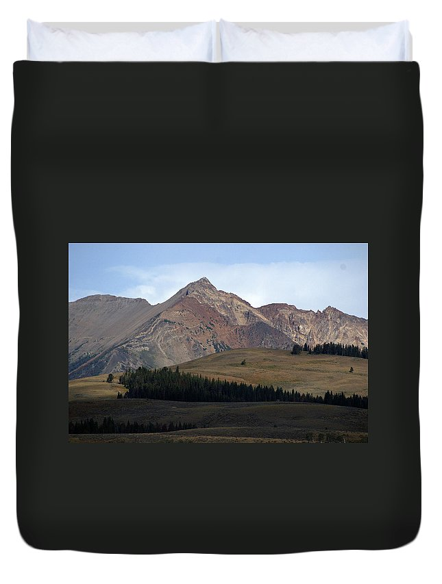 Lake Duvet Cover featuring the photograph Emerald Lake by Marty Koch