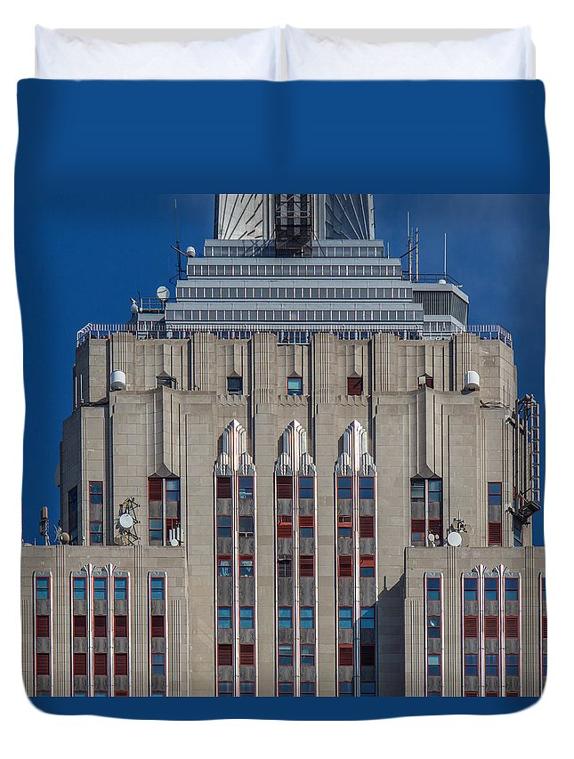 Architecture Duvet Cover featuring the photograph Empire State Building by Kenneth Grant