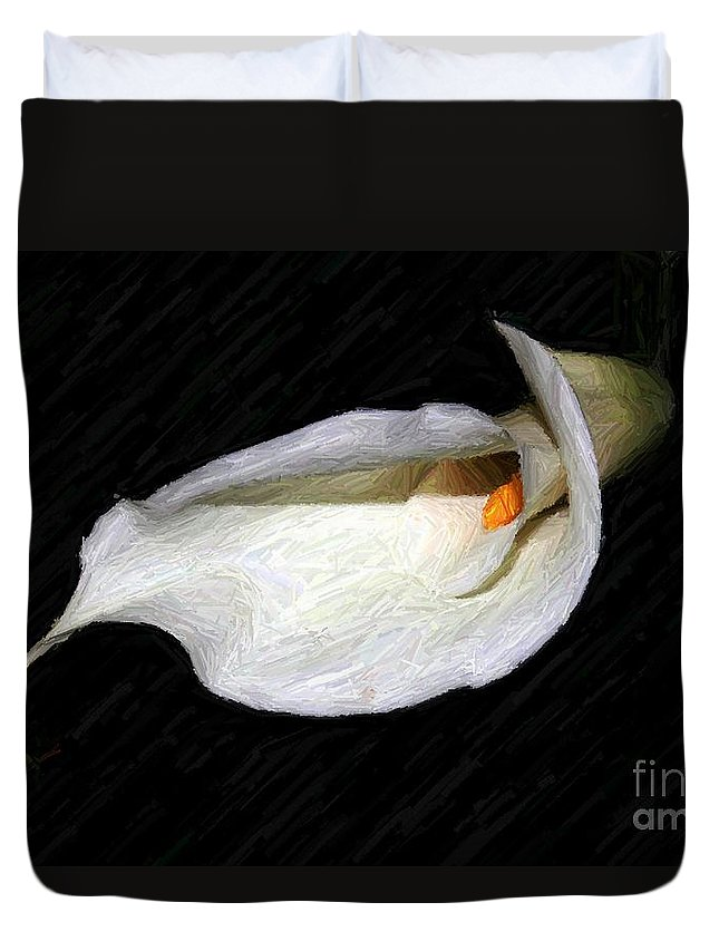 Flower Duvet Cover featuring the photograph Fading Beauty by Margaret Hamilton