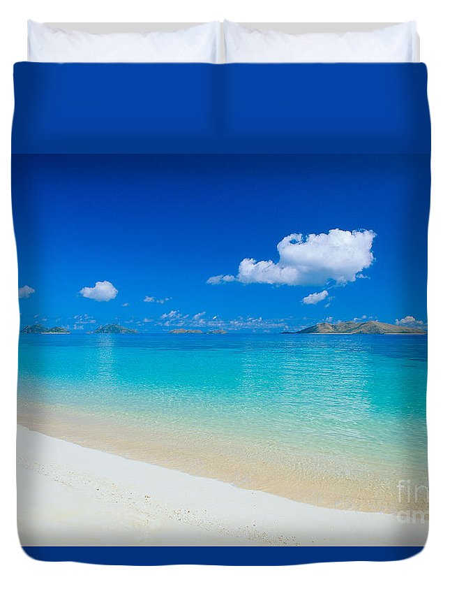 Beautiful Duvet Cover featuring the photograph Fiji, Mana Island by Dave Fleetham - Printscapes