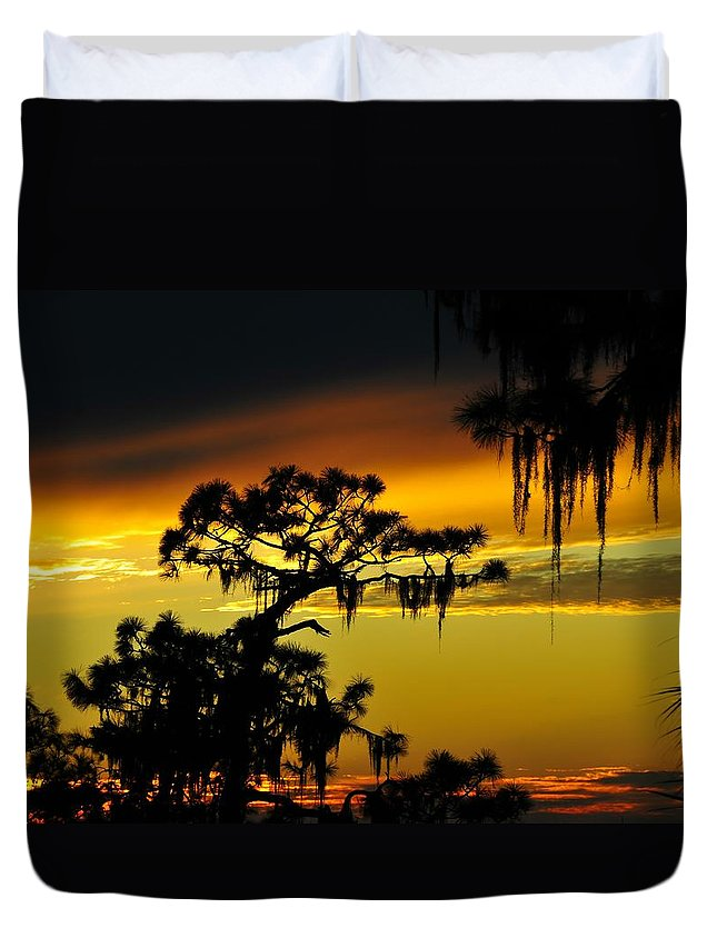 Sunset Duvet Cover featuring the photograph Central Florida Sunset by David Lee Thompson