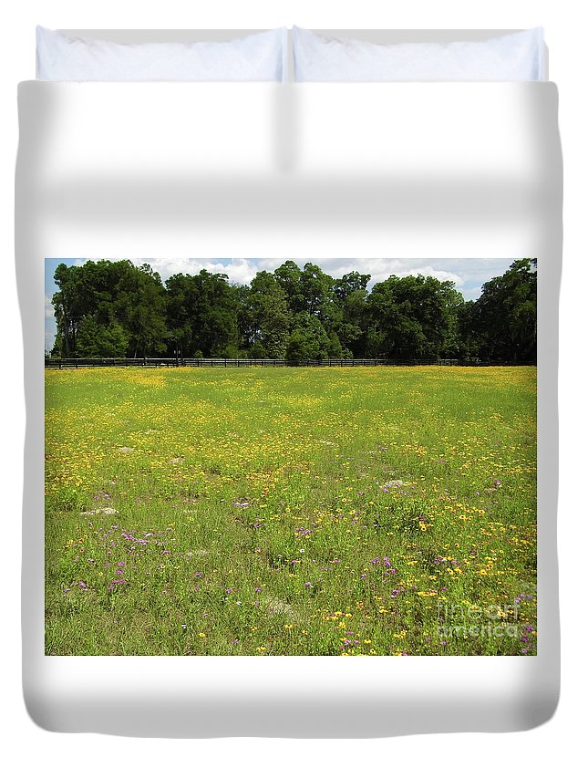 Coreopsis Duvet Cover featuring the photograph Florida - Wildflowers by D Hackett