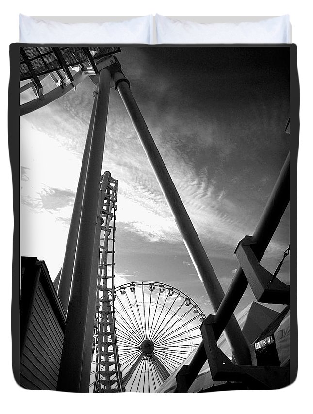 Bradley Duvet Cover featuring the photograph Focus On The Ferris Wheel by Rich Despins