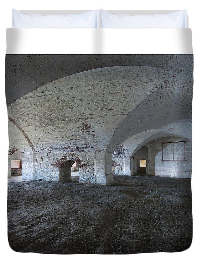 Ft Duvet Cover featuring the photograph Fort Warren 7124 by Bob Neiman