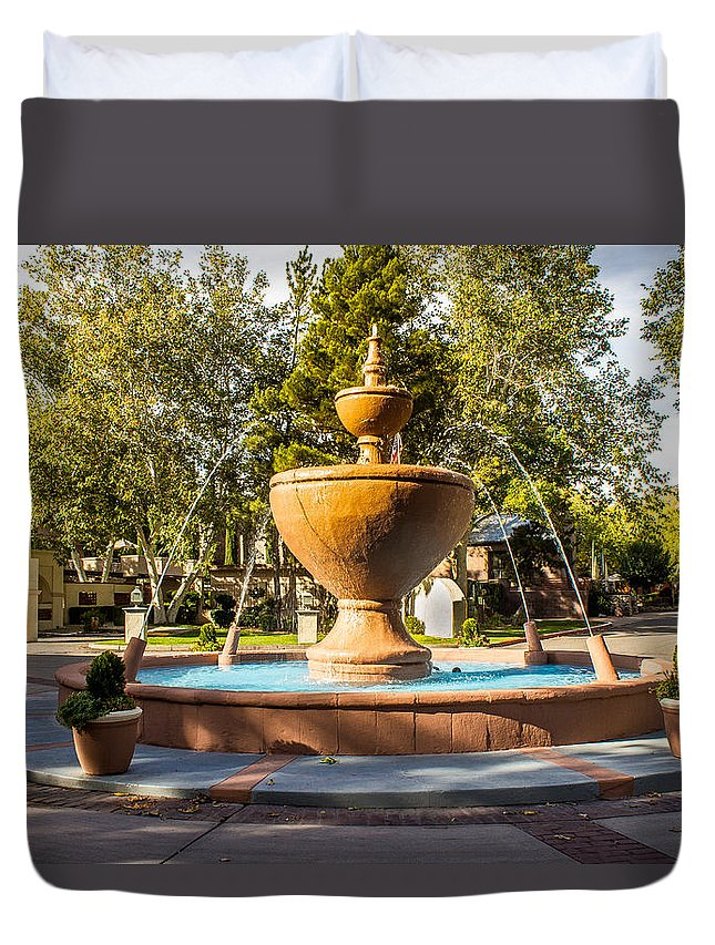 Fountain Duvet Cover featuring the photograph Fountain At Tlaquepaque by Barbara Zahno
