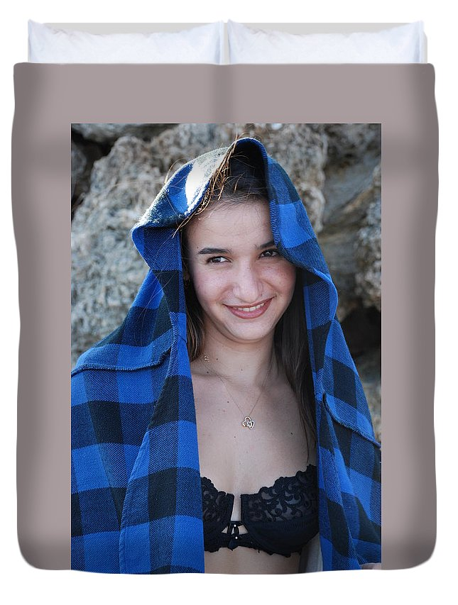 Woman Duvet Cover featuring the photograph Gisele by Rob Hans