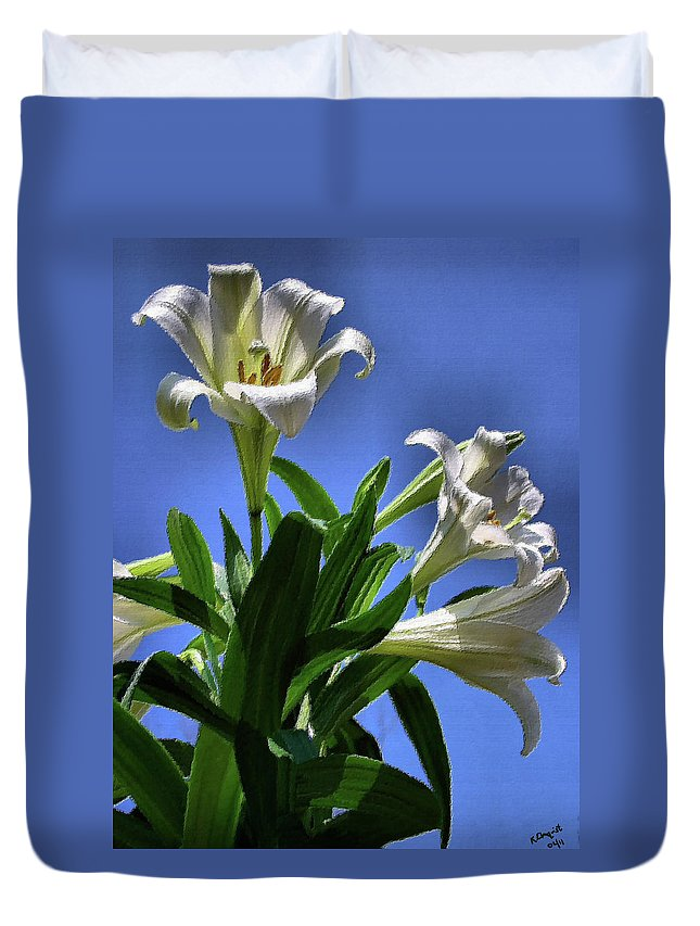 Lily Duvet Cover featuring the photograph Glorious by Kristin Elmquist