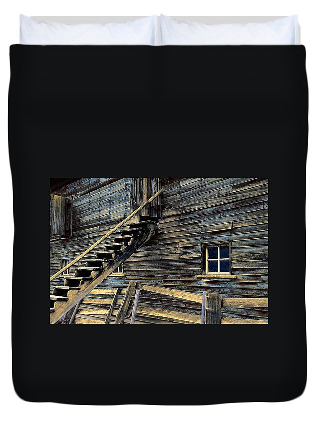 Architecture Duvet Cover featuring the photograph Golden Barn by Wayne Sherriff