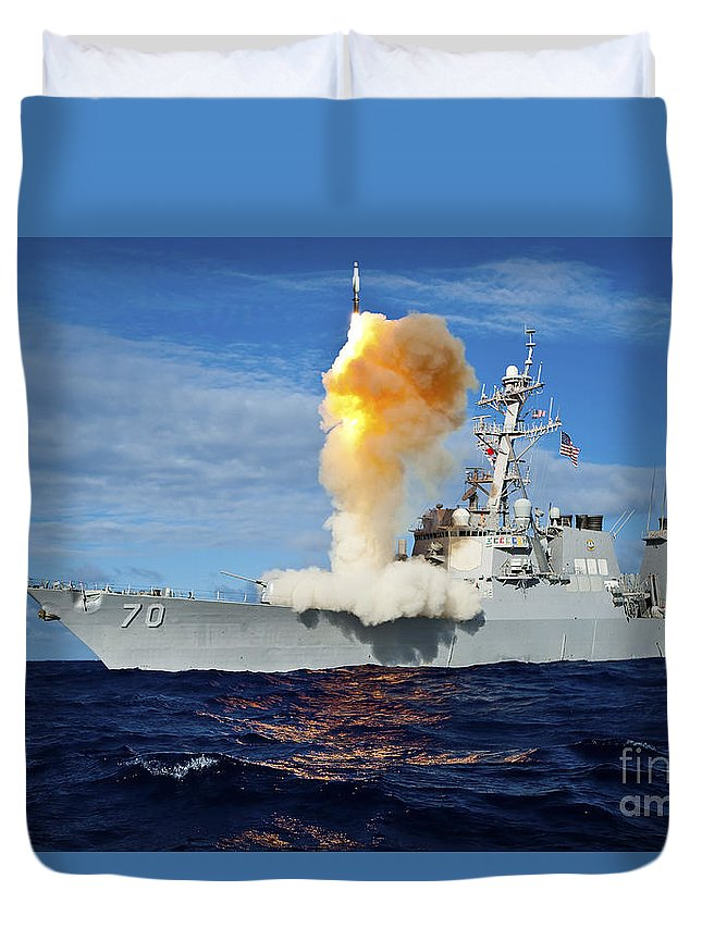Missile Duvet Cover featuring the photograph Guided Missile Destroyer Uss Hopper by Stocktrek Images