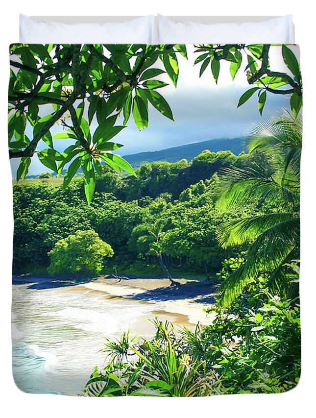 Hamoa Beach Duvet Cover featuring the photograph Hamoa Beach Hana Maui Hawaii by Sharon Mau