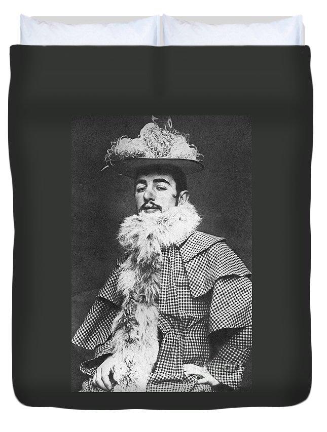 1890 Duvet Cover featuring the photograph Henri De Toulouse-lautrec by Granger