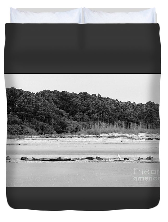 Duvet Cover featuring the photograph Hilton Head Island Shoreline In Black And White by Angela Rath