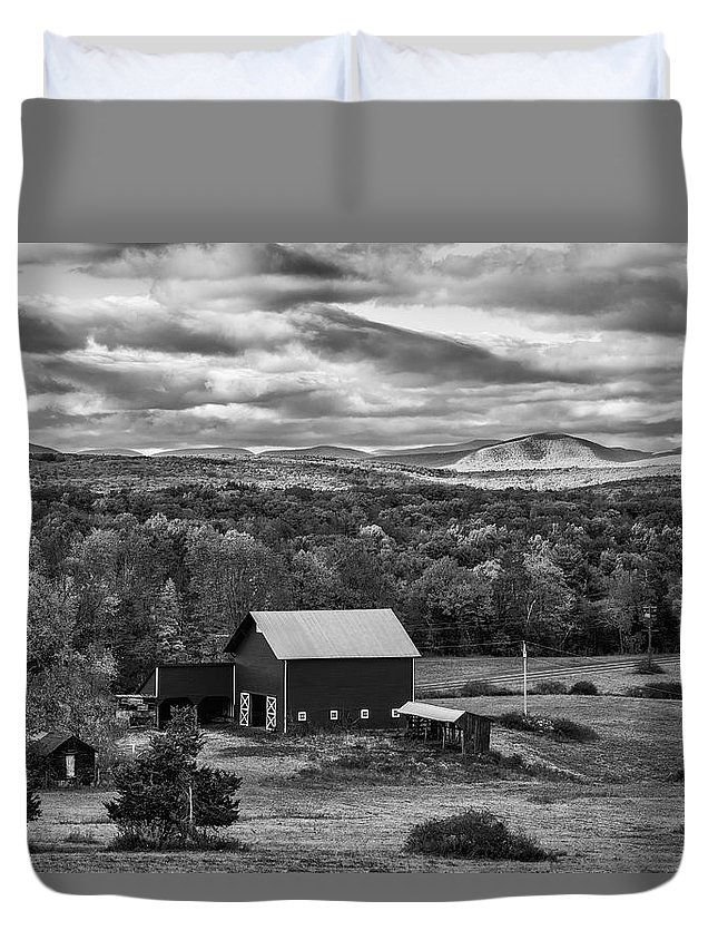 Autumn Duvet Cover featuring the photograph Hudson Valley Ny Fall Colors by Susan Candelario