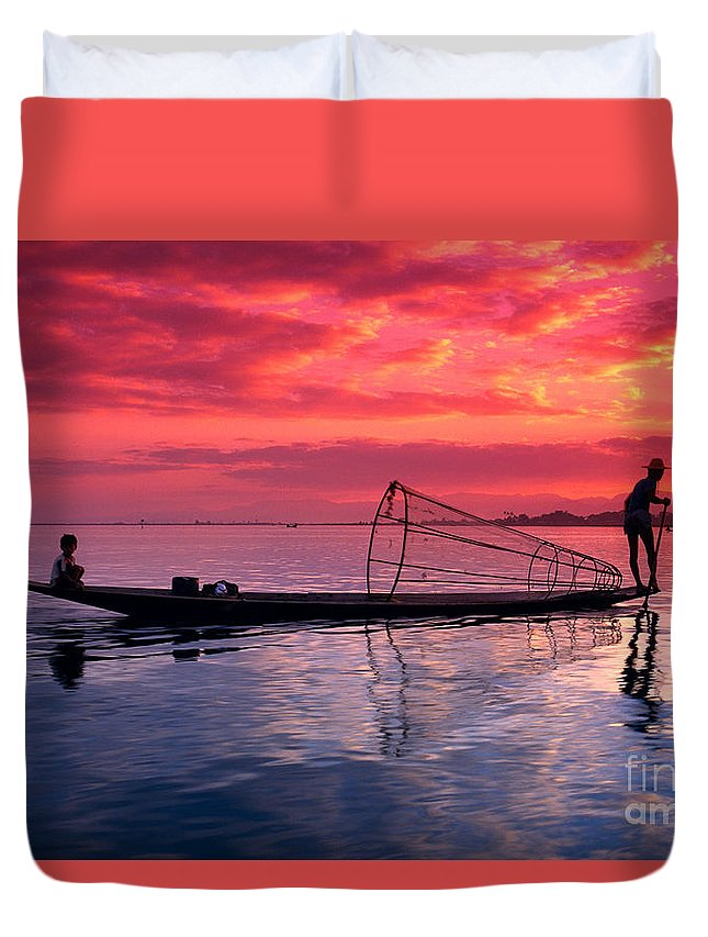 73-csm0075 Duvet Cover featuring the photograph Inle Lake Fisherman by Gloria & Richard Maschmeyer - Printscapes