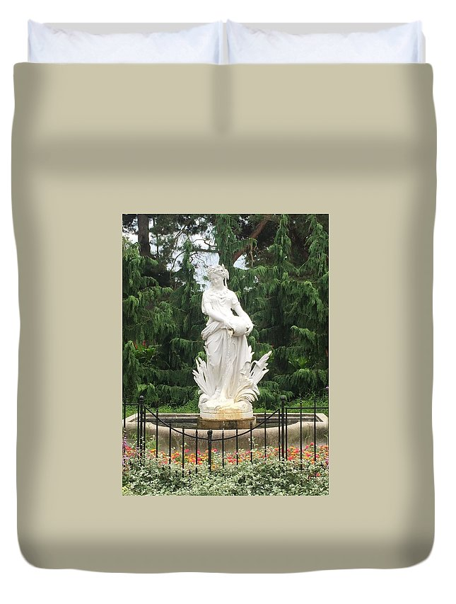 Outdoor Duvet Cover featuring the photograph Ivory Lady by Joel Baugh