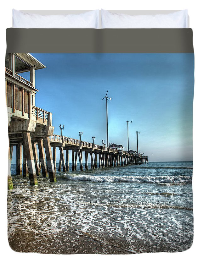 Currituck Beach Duvet Cover featuring the photograph Jennettes Pier Nags Head North Carolina by Greg Hager