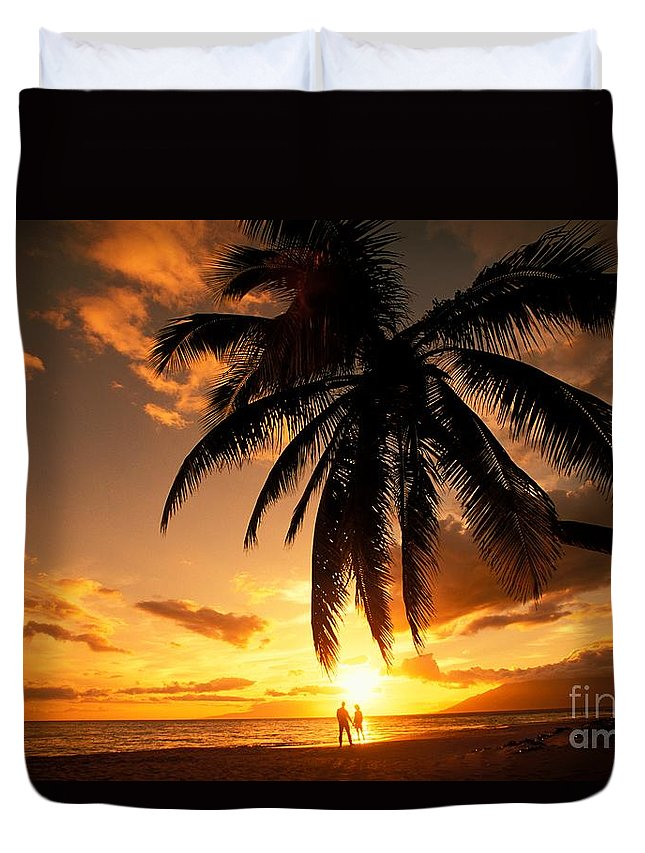 Affection Duvet Cover featuring the photograph Kamaole One by Ron Dahlquist - Printscapes