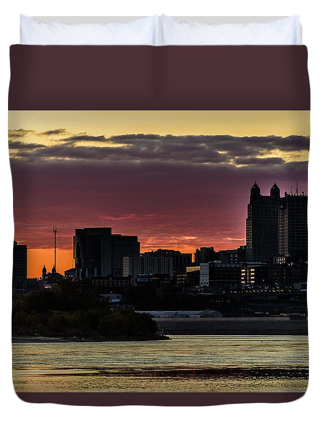 Kaw Point Duvet Cover featuring the photograph Kansas City Sunrise From Kaw Point by Brandon Cale