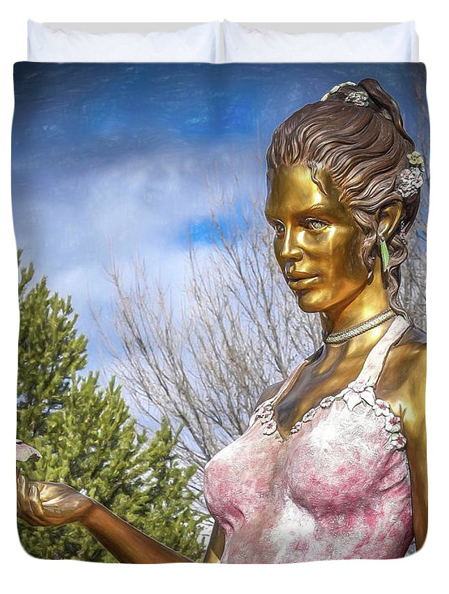 Lady Duvet Cover featuring the photograph Lady In Pink by Will Wagner