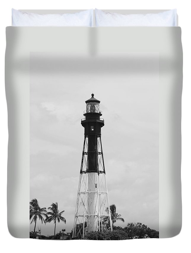 Landscape Duvet Cover featuring the photograph Light House by Rob Hans