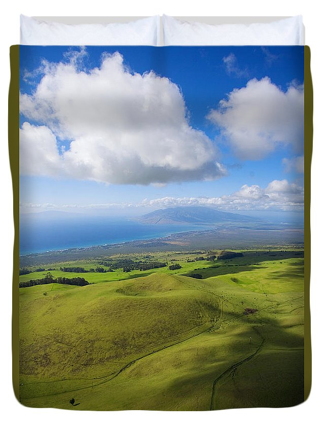 Aerial Duvet Cover featuring the photograph Maui Aerial by Ron Dahlquist - Printscapes