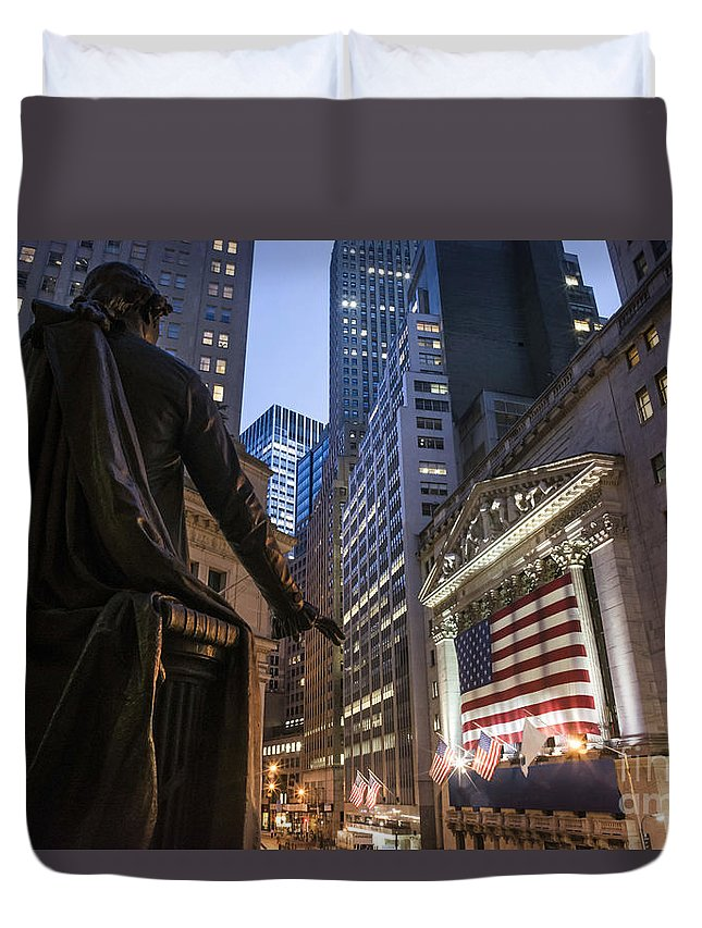 Aktien Duvet Cover featuring the photograph New York Wall Street by Juergen Held