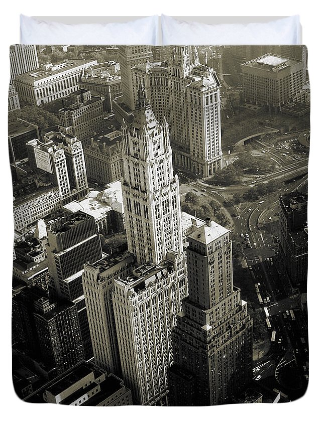 Woolworth+building Duvet Cover featuring the photograph New York Woolworth Building - Vintage Photo Art Print by Peter Potter
