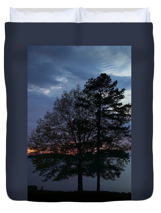 Scenic Tours Duvet Cover featuring the photograph Night Lights by Skip Willits
