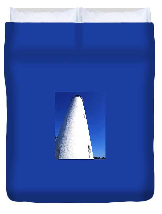 Ocracoke Duvet Cover featuring the photograph Ocracoke Island Light House by Wayne Potrafka