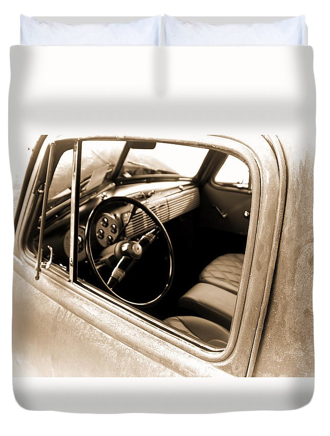 Duvet Cover featuring the digital art Old Truck by Cathy Anderson