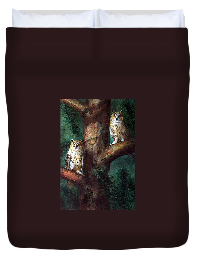 Wildlife Duvet Cover featuring the painting Owls In Moonlight by Frank Wilson