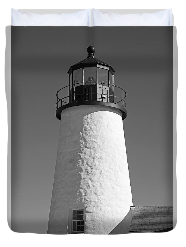 Pemaquid Point Lighthouse Duvet Cover featuring the photograph Pemaquid Point Lighthouse by Alana Ranney