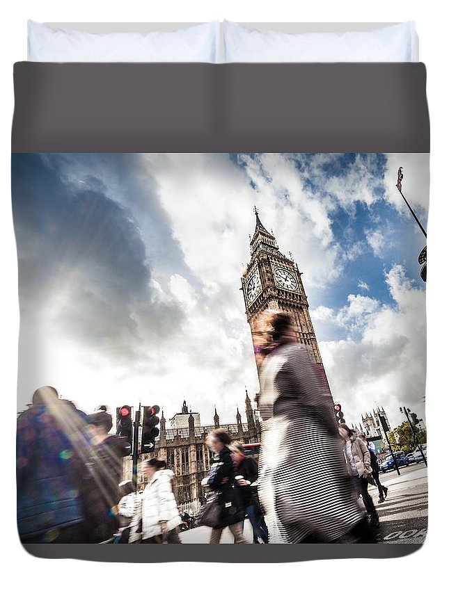 London Duvet Cover featuring the photograph People Crossing In Central London by Leonardo Patrizi