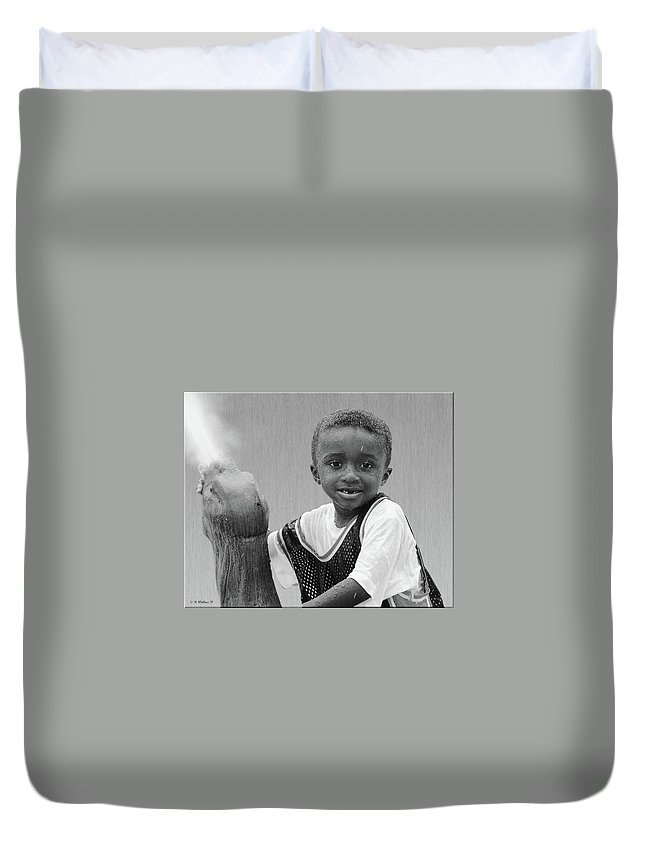 2d Duvet Cover featuring the photograph Philly Fountain Kid by Brian Wallace