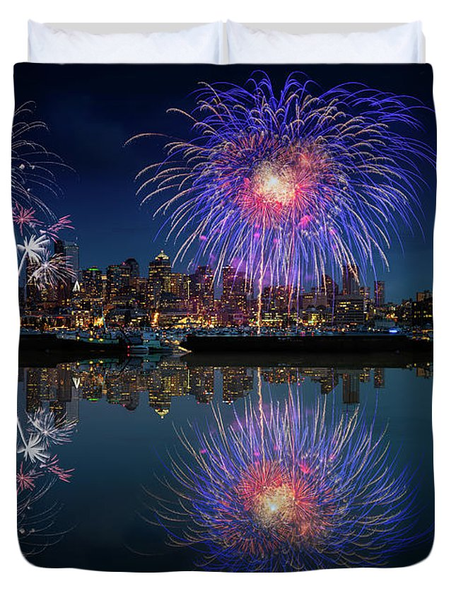 4th Duvet Cover featuring the photograph Seattle Skyline And Fireworks by William Freebilly photography