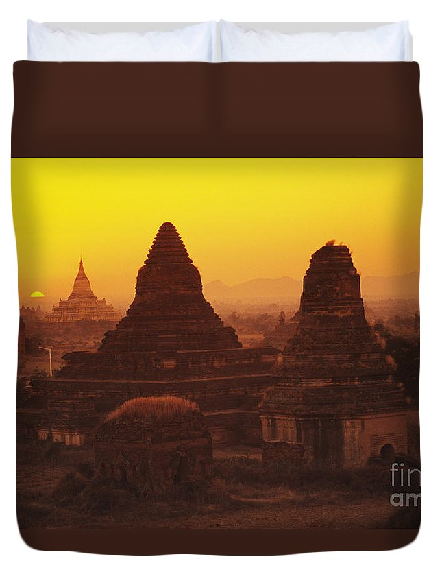 Ancient Duvet Cover featuring the photograph Shwesandaw Paya Temples by Gloria & Richard Maschmeyer - Printscapes