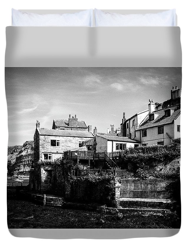 Staithes Duvet Cover featuring the photograph Staithes Village by Graham Moore