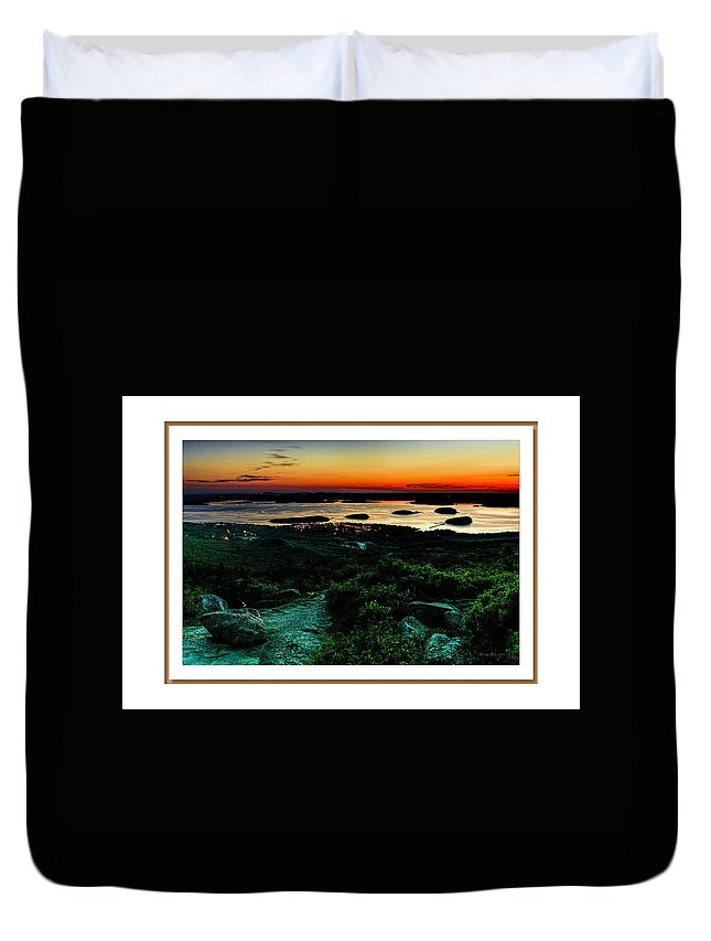 04-landscape Duvet Cover featuring the photograph Sunrise by Myer Bornstein