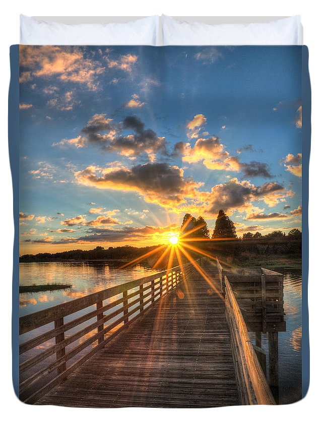 Landscape Duvet Cover featuring the photograph Sunset At The Lake by Ronald Kotinsky